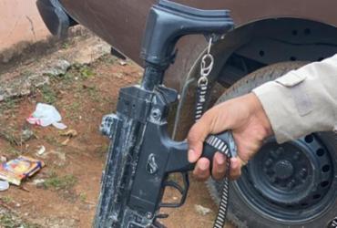Suspeito de tráfico é preso com submetralhadora de brinquedo | Divulgação