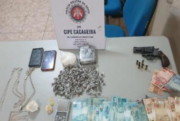 Suspeito de tráfico é morto e armas e drogas são apreendidas durante ação em Una