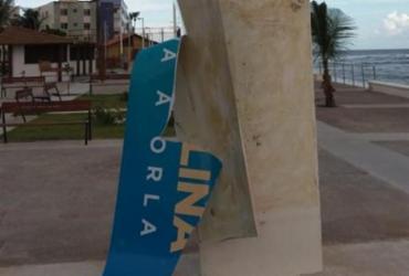 Totem na orla de Amaralina é alvo de vandalismo; prejuízo é avaliado em R$ 5 mil | Reprodução