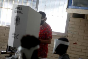 Dos 295 prefeitos que foram às urnas, 183 venceram, 108 perderam | Felipe Iruatã | Ag. A TARDE
