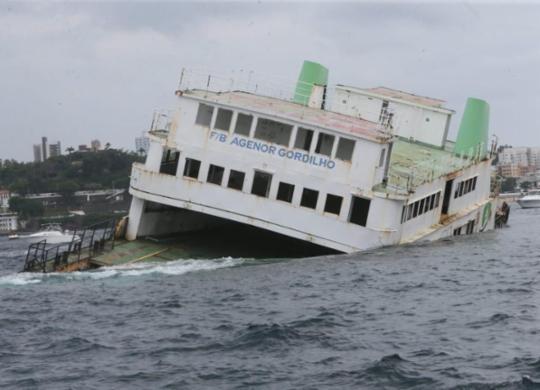 Mergulhadores já podem visualizar ferry afundado na Baía de Todos-os-Santos | Camila Souza | GOVBA