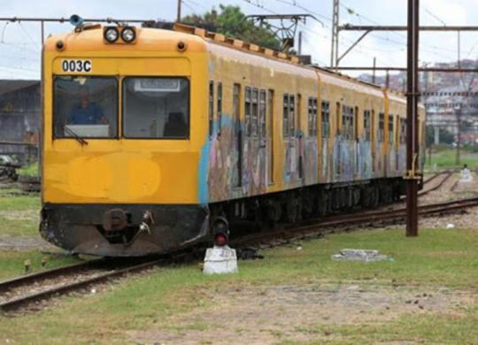 Trem descarrila no Subúrbio Ferroviário; ninguém ficou ferido | Foto: Adilton Venegeroles | Ag. A TARDE