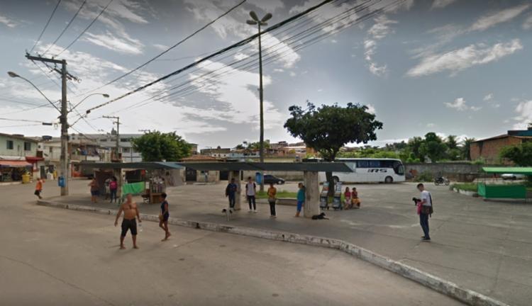 A colisão ocorreu próximo ao fim de linha do bairro   Foto: Reprodução   Google Street View - Foto: Reprodução   Google Street View