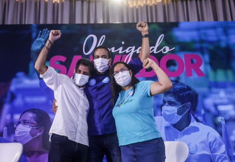 ACM Neto comemorou junto com prefeito eleito Bruno Reis e a vice Ana Paula - Foto: Felipe Iuratã
