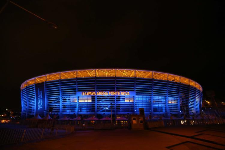 Estádio está com iluminação azul para conscientizar sobre o câncer de próstata   Foto: Divulgação   AG.BAPress - Foto: Divulgação   AG.BAPress