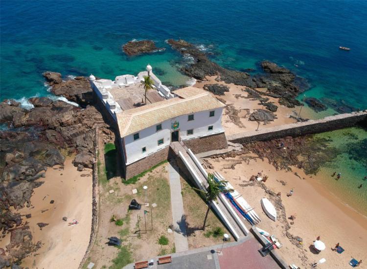 Bar fica localizando dentro do Forte Santa Maria, no Porto da Barra   Foto: Divulgação - Foto: Divulgação