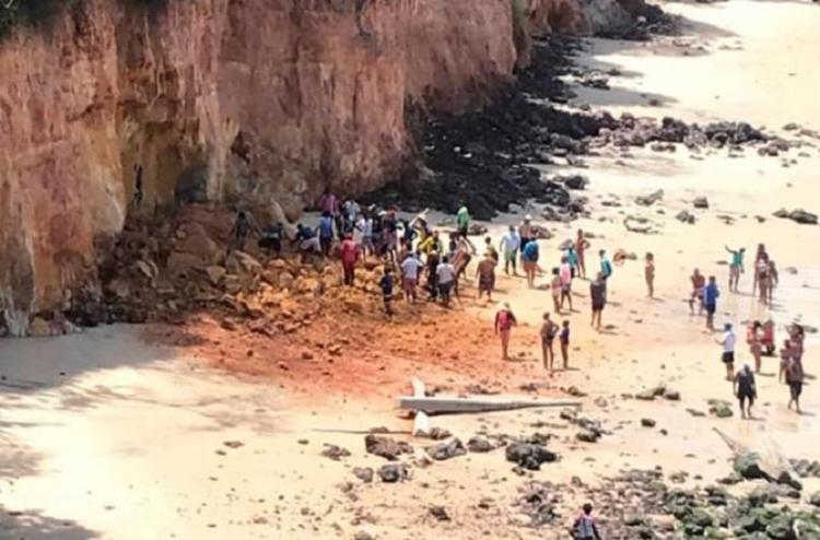 Área de falésias que desabou na praia da Pipa já apresentava problemas de deslizamento de terra   Foto: Divulgação - Foto: Divulgação
