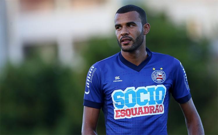 Zagueiro se recuperou de lesão e deve ser escalado pelo técnico Mano Menezes - Foto: Felipe Oliveira/EC Bahia