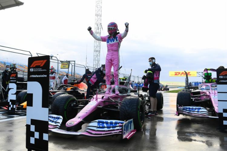 Stroll garantiu pela primeira vez na carreira o lugar de honra no grid, com um tempo de 1:47.795, dando também à Racing Point sua primeira pole | Foto: Ozan Kose | AFP - Foto: Ozan Kose | AFP