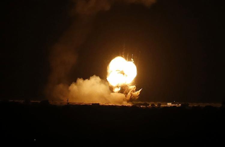 Exército israelense afirmou que alvo seria um depósito de armas do Hamas - Foto: SAID KHATIB / AFP