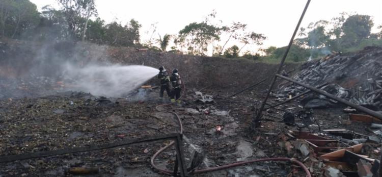 Galpão onde estava armazenado os fogos de artifício fica próximo de residências e também de uma mata fechada | Foto: Divulgação | CBMBA - Foto: Foto: Divulgação | CBMBA