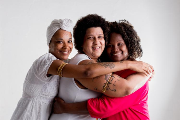 Laina Crisóstomo, Cleide Coutinho e Gleide Davis formam o coletivo
