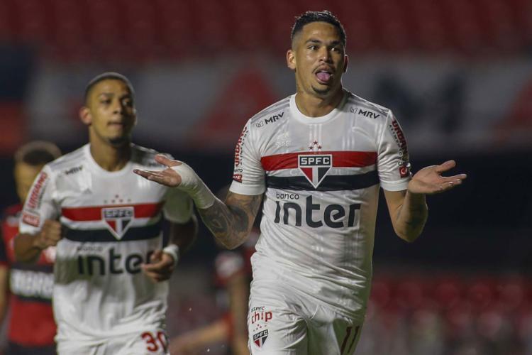 Luciano (à dir.) balançou as redes do Morumbi duas vezes no jogo | Foto: Miguel Schincariol | São Paulo - Foto: Miguel Schincariol | São Paulo