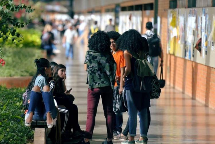 Em áreas como medicina, a participação dos negros cai para um em cada dez cientistas em formação | Foto: Marcello Casal Jr | Agência Brasil - Foto: Marcello Casal Jr | Agência Brasil