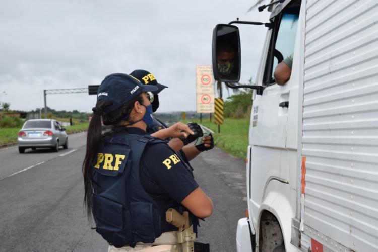Durante toda operação, a PRF fiscalizou 4.141 veículos e 4.629 pessoas | Foto: Divulgação | PRF - Foto: Divulgação | PRF