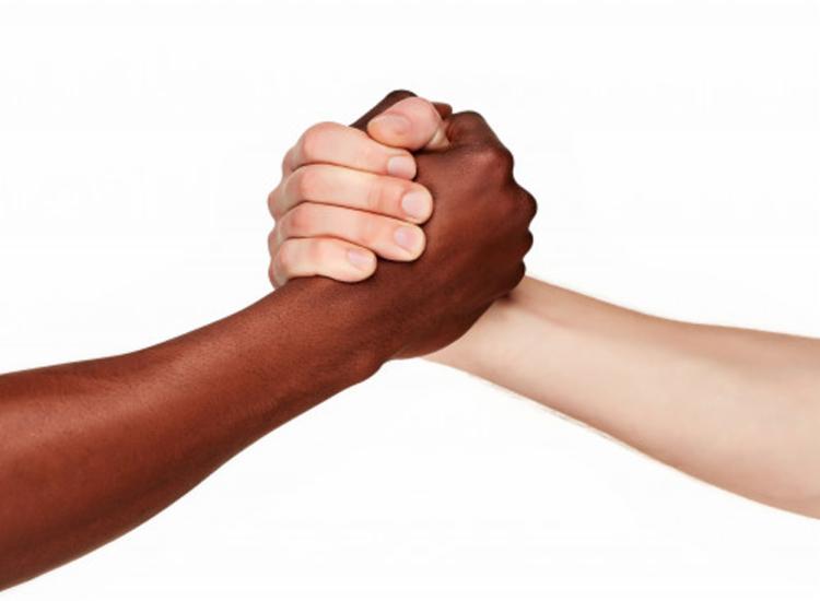 Iniciativa é voltada para empresas que executam ações de promoção de equidade racial - Foto: Reprodução   Freepik