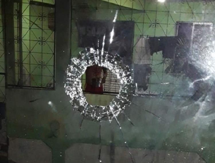 Confronto entre facções criminosas tem causado pânico no bairro   Foto: Reprodução   Informe Baiano - Foto: Reprodução: Informe Baiano