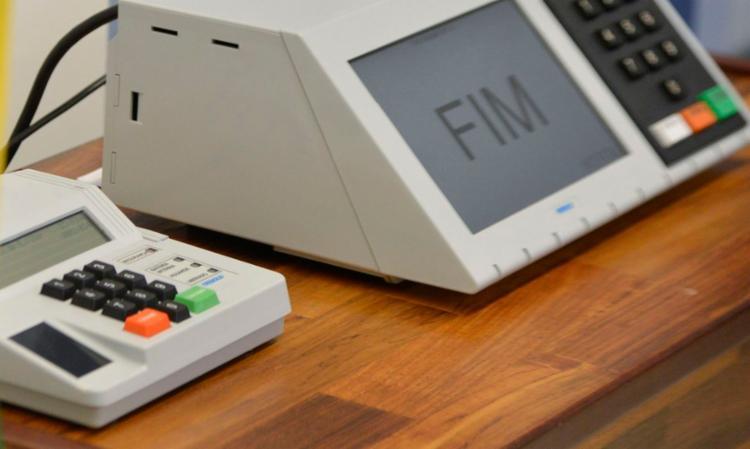 Eleitor pode levar de casa o número já anotado em um papel (a cola) para a sessão eleitoral - Foto: José Cruz | Agência Brasil | Arquivo