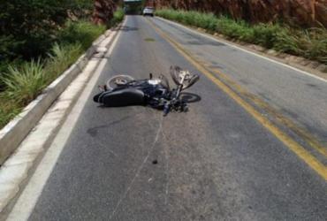 Motociclista morre e mulher fica ferida após acidente na BR-430