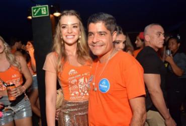 ACM Neto e Mariana Barreto vão passar o Réveillon em Praia do Forte   André Carvalho   Divulgação