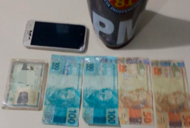 Mulher é presa após pagar cosméticos com dinheiro falso em Lauro de Freitas