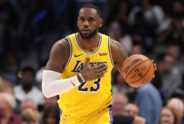 LeBron renova contrato com Lakers até 2023   Ronald Martinez   AFP