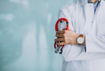 Prefeitura prorroga chamamento público para contratação de médicos | Ilustrativa | Freepik