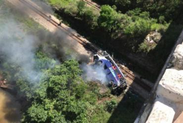 Ônibus cai de ponte em Minas Gerais e deixa ao menos 10 mortos | Foto: Redes sociais