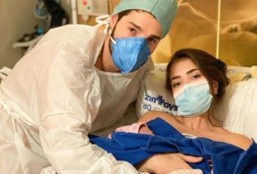Nasce Raika, filha de Alok e Romana Novais, após parto prematuro devido à covid-19 | Reprodução | Instagram