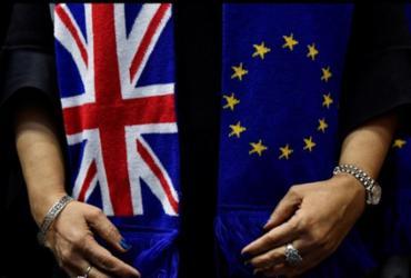 Reino Unido e União Europeia vão retomar discussões pós-Brexit neste domingo |