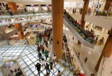 Shoppings de Salvador funcionam como drive thru durante lockdown parcial | Adilton Venegeroles