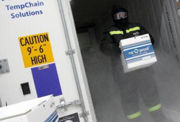 Vacinas contra Covid-19 serão transportadas em contêineres super isolantes | Daniel Roland | AFP