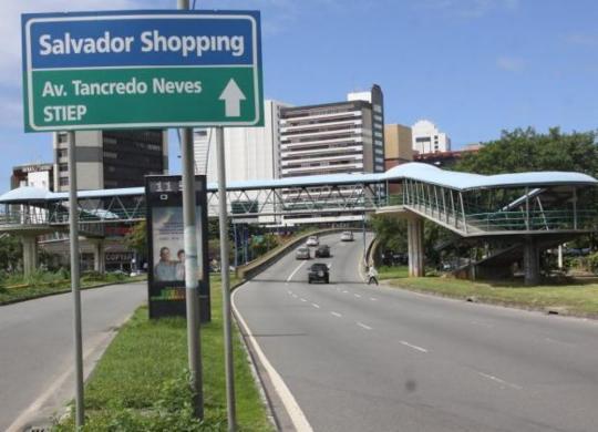 Trânsito é alterado temporariamente na região da Av. Tancredo Neves | Divulgação