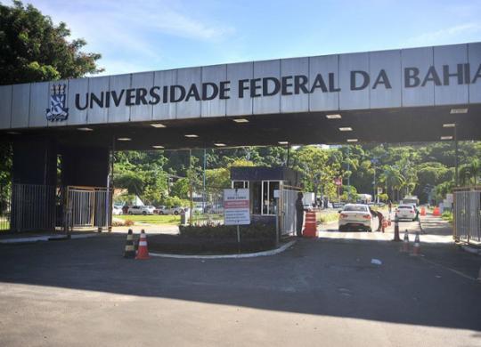Orçamento para universidades federais tem corte de 37% em 11 anos | Felipe Iruatã | Ag. A TARDE | 3.5.2019
