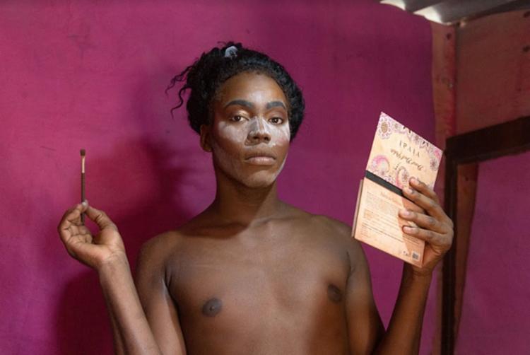 Jovem Wendell Nero criou a drag queen Lorrany Smithy | Foto: Gabrielle Guido | Agência Mural