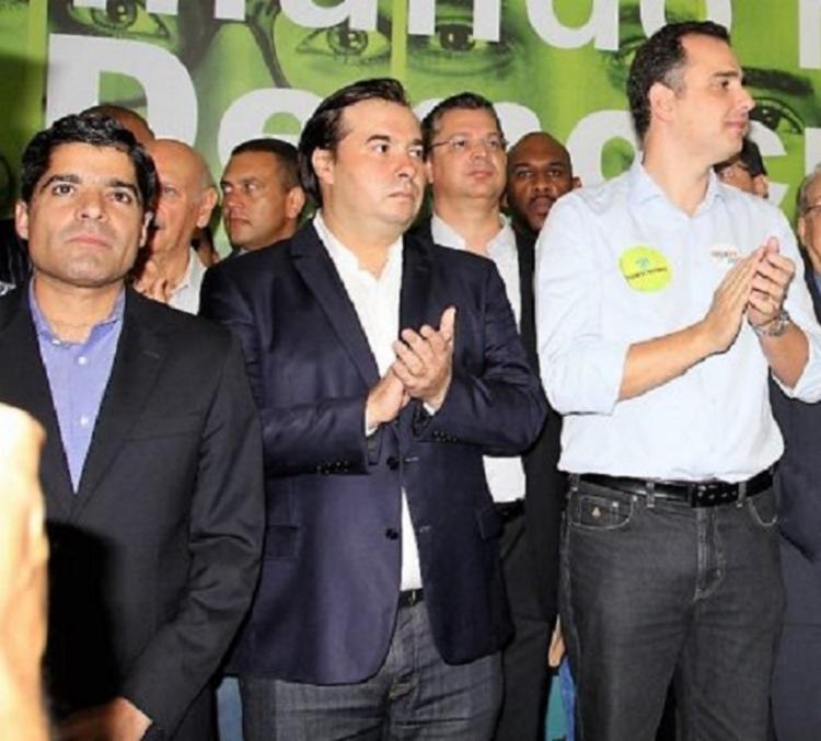 Presidente do DEM afirmou que candidatura de Rodrigo Pacheco (de branco) ao Senado deve ser lançada; Partido abrirá mão de disputa na Câmara - Foto: Reprodução/Democratas