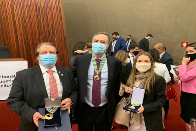 Jatahy recebeu a honraria pelo seu trabalho prestado em benefício da Justiça Eleitoral baiana | Foto: Divulgação | TRE-BA - Foto: Divulgação | TRE-BA