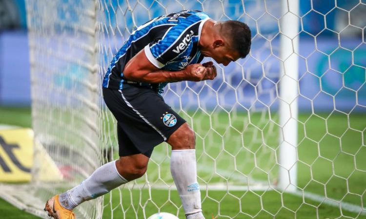Gol de Diego Souza em Porto Alegre coloca o tricolor gaúcho em vantagem por vaga na decisão | Foto: Lucas Uebel | Grêmio FBPA - Foto: Lucas Uebel | Grêmio FBPA