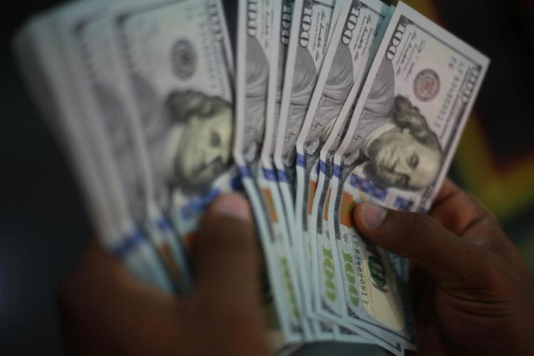 Em dia volátil, moeda chegou a alcançar R$ 5,35 de manhã | Foto: Joá Souza | Ag. A TARDE - Foto: Joá Souza | Ag. A TARDE
