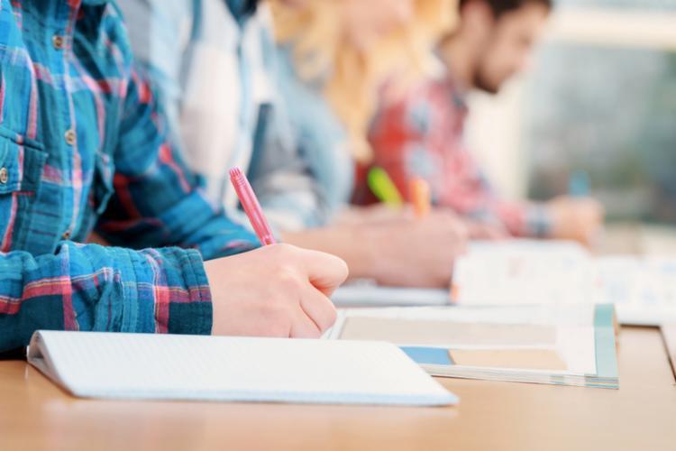 Alunos do ensino médio são os mais afetados, segundo IBGE   Foto: Agência Educa Mais Brasil - Foto: Agência Educa Mais Brasil