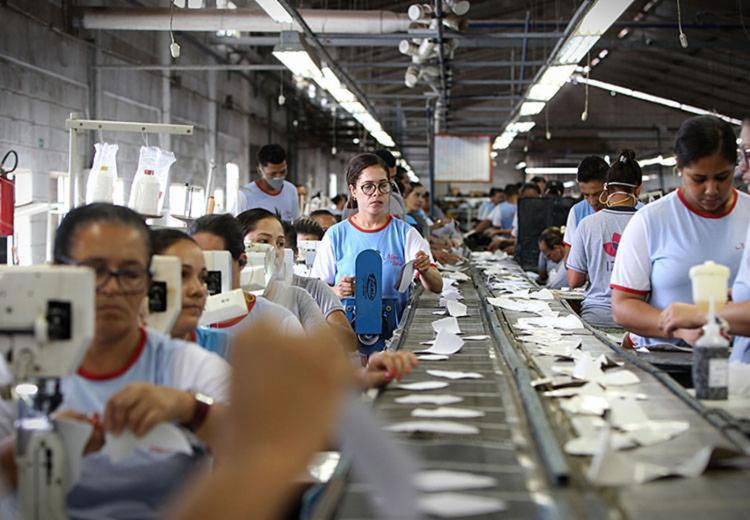 Projeção para o próximo ano é que a indústria baiana acompanhe as expectativas para a indústria nacional | Foto: Fernando Vivas | Gov-BA - Foto: Fernando Vivas | Gov-BA