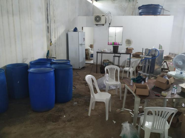 Materiais para a fabricação do produto foram encontrados em galpão em Cruz das Almas - Foto: Foto: Divulgação SSP