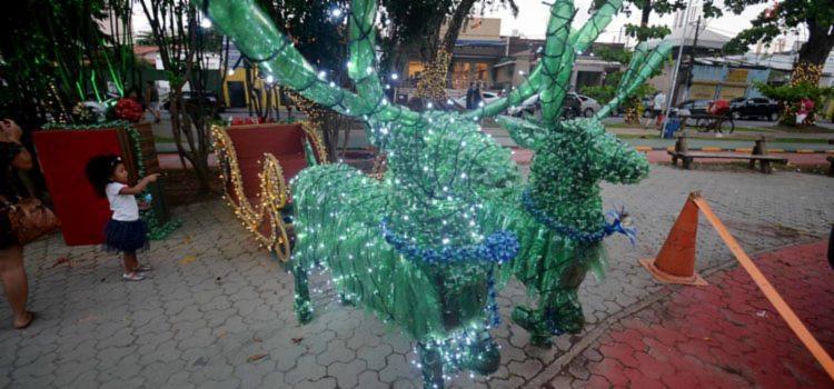 A confecção dos símbolos natalinos, feitos 100% sustentável, teve início em setembro I Foto: Secom - Foto: Foto: Secom