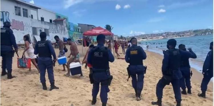 Agentes realizaram operação na praia, que possui uma das maiores incidência de casos | Foto: Divulgação | Guarda Municipal - Foto: Divulgação: Guarda Municipal