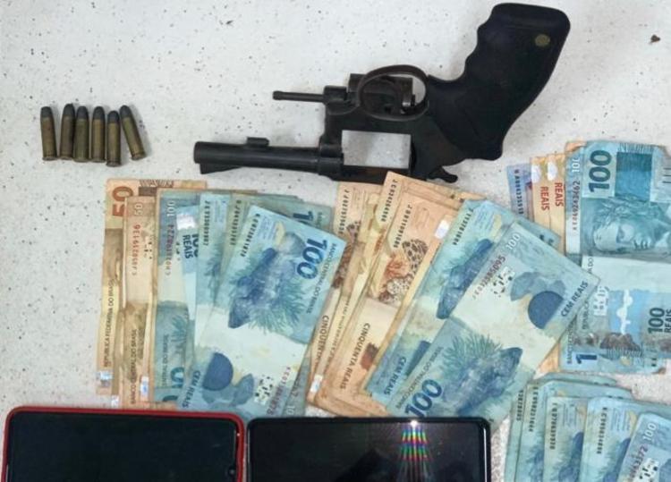 O comparsa dele, que fazia os roubos em ônibus, também foi preso | Foto: Divulgação | SSP - Foto: Divulgação | SSP