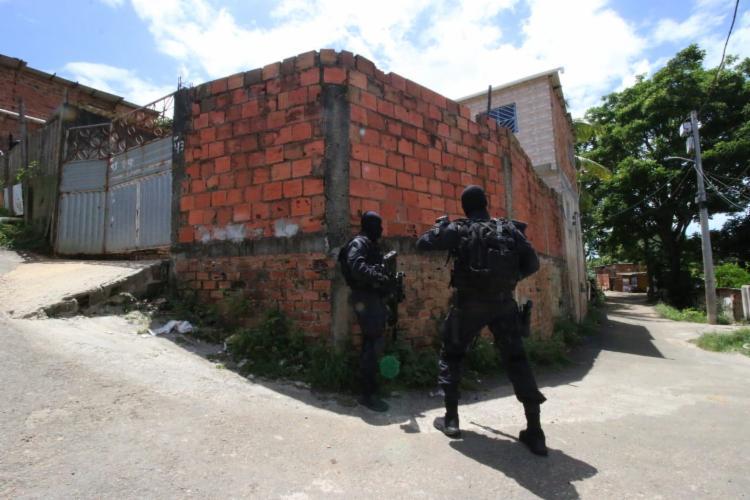 Casa de morador foi invadida durante ação   Foto: Divulgação   SSP - Foto: Divulgação   SSP