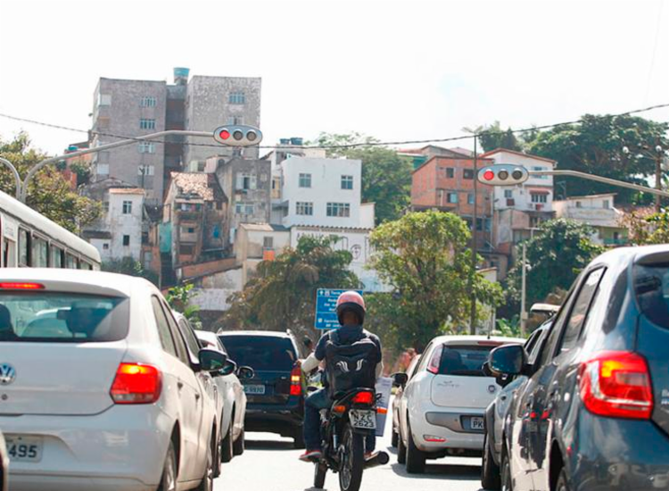 Contribuintes baianos vão pagar cerca de 3,2% a menos de IPVA em 2021 | Foto: Joá Souza | Ag. A TARDE - Foto: Joá Souza | Ag. A TARDE