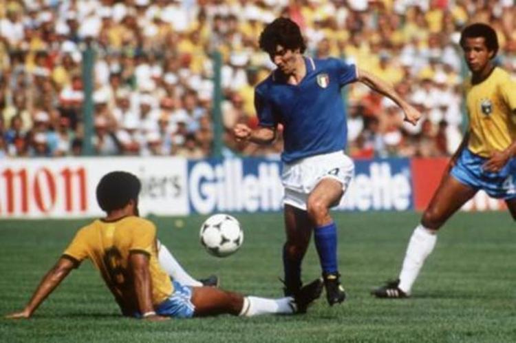 O atacante marcou todos os gols da Itália na vitória sobre o Brasil por 3 a 2 e ainda foi artilheiro do torneio com seis tentos | Foto: Reprodução - Foto: Reprodução