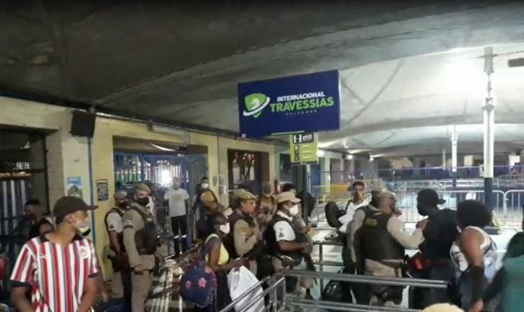 Em nota, a PM informa que policiais militares da 16ª CIPM foram acionados por agentes do terminal | Foto: Reprodução - Foto: Reprodução