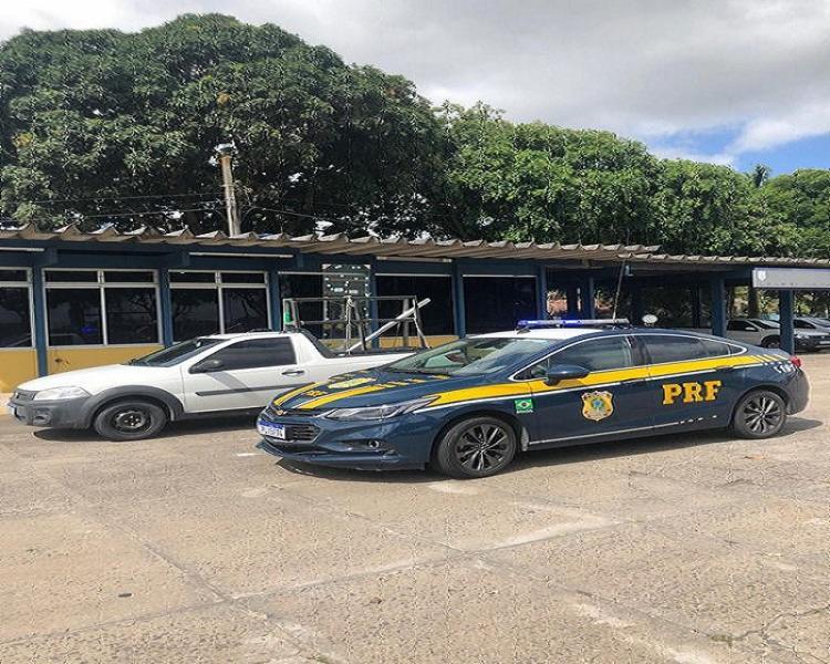 Veículo transitava com placas clonadas de outro carro com registro de roubo - Foto: Divulgação